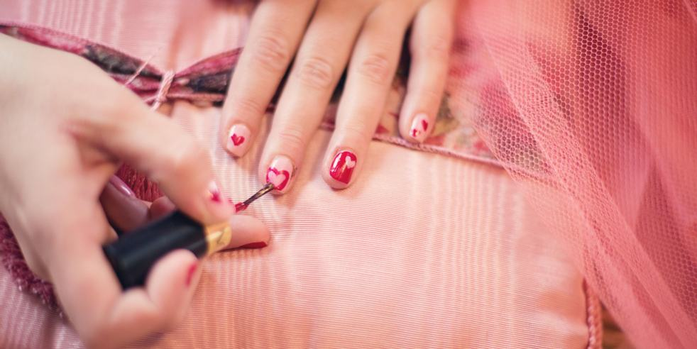 These Blunted Tips are the Newest Nail Art Trend