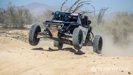 Team Hytiva® Flying through the Desert