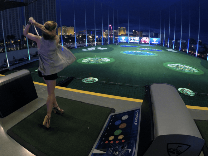 Gamble on the Greens: Playing Nighttime Golf in Las Vegas